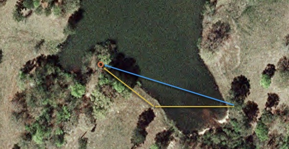 Signature Hole #17 at White Oak Park. Yellow line indicates roughly a 180-200ft shot over the pond. Or take your chances on the blue line with a 380ft shot to the bank in front of the basket.